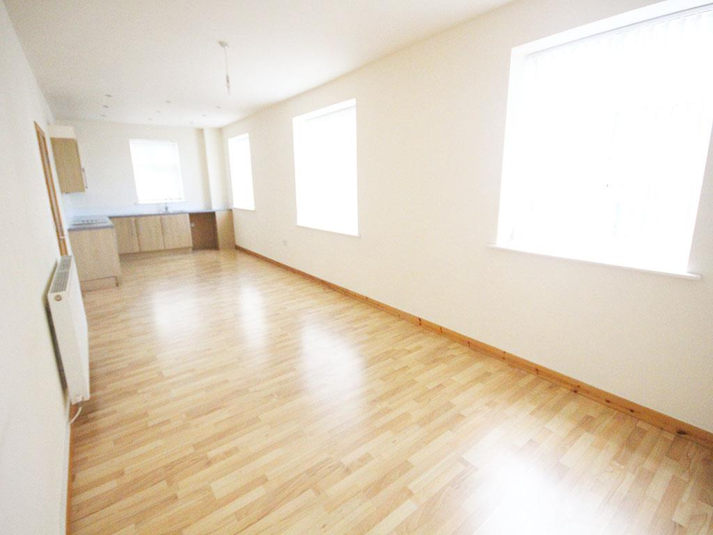 2 bedroom apartment To Let in Colne - IMG_3436.jpg